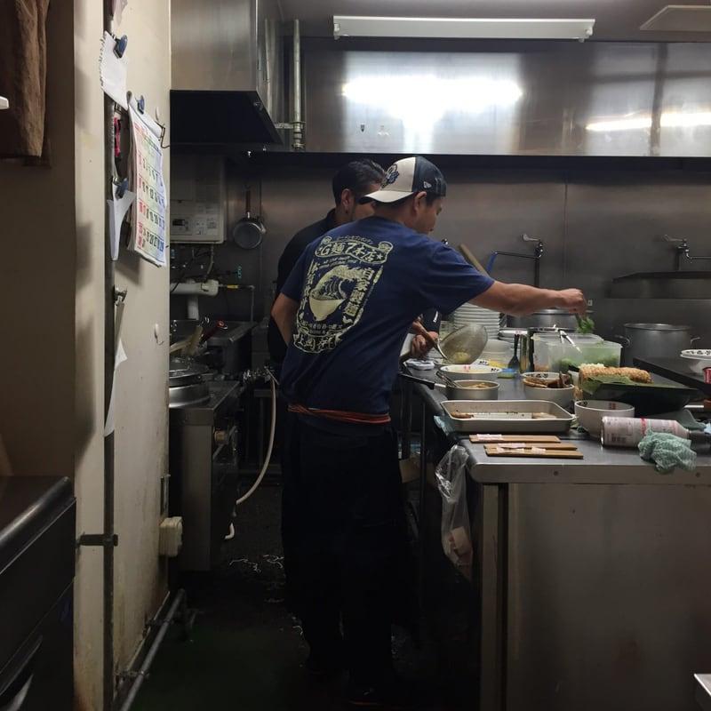羽釜豚骨 麺屋庄太@津軽ラーメン街道 厨房