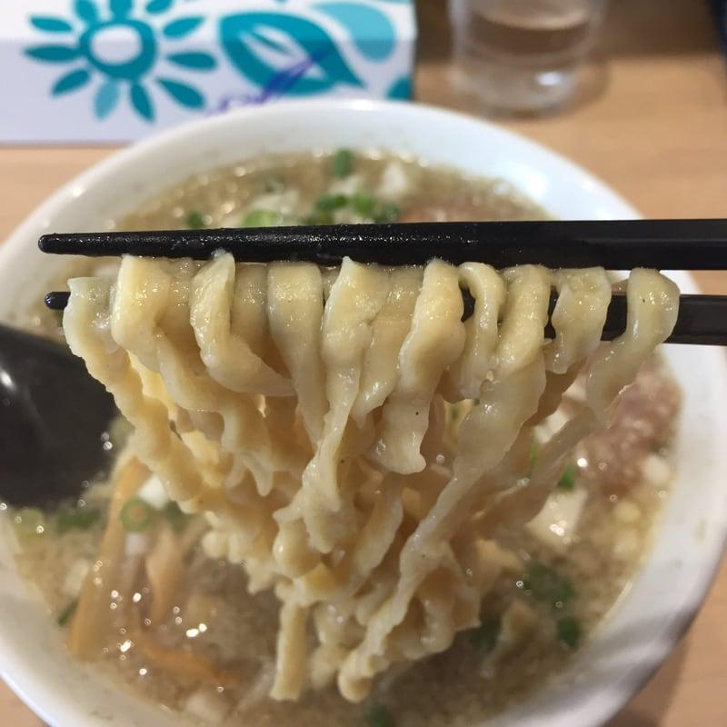 MONCHAN RAMEN SHUN(もんちゃんラーメンシュン) 背脂煮干極太手揉み麺