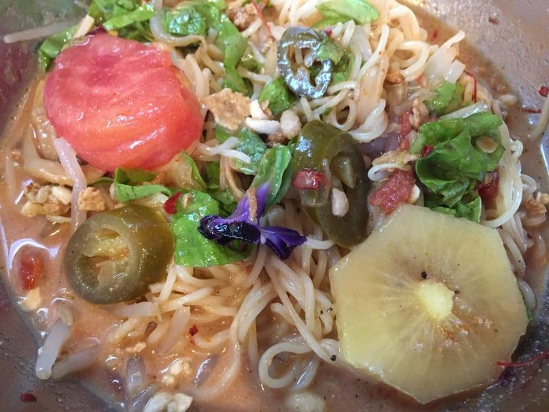 中華そばde小松 たっぷりトマトの冷やし坦々麺
