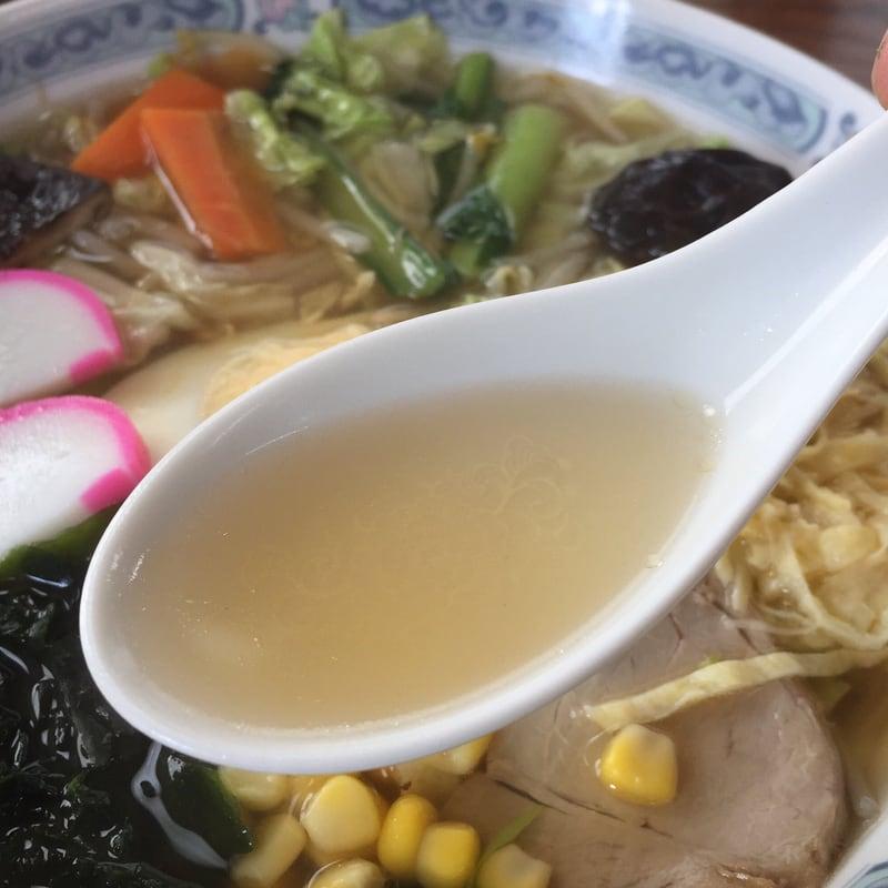 味楽食堂 五目そば スープ