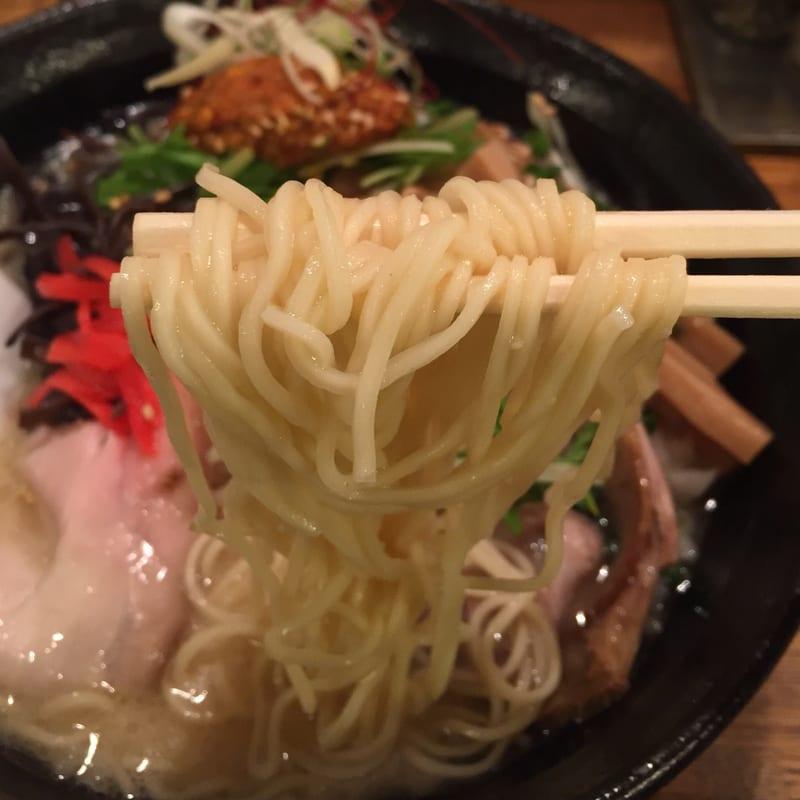 麺屋 信成 辛玉豚骨 麺