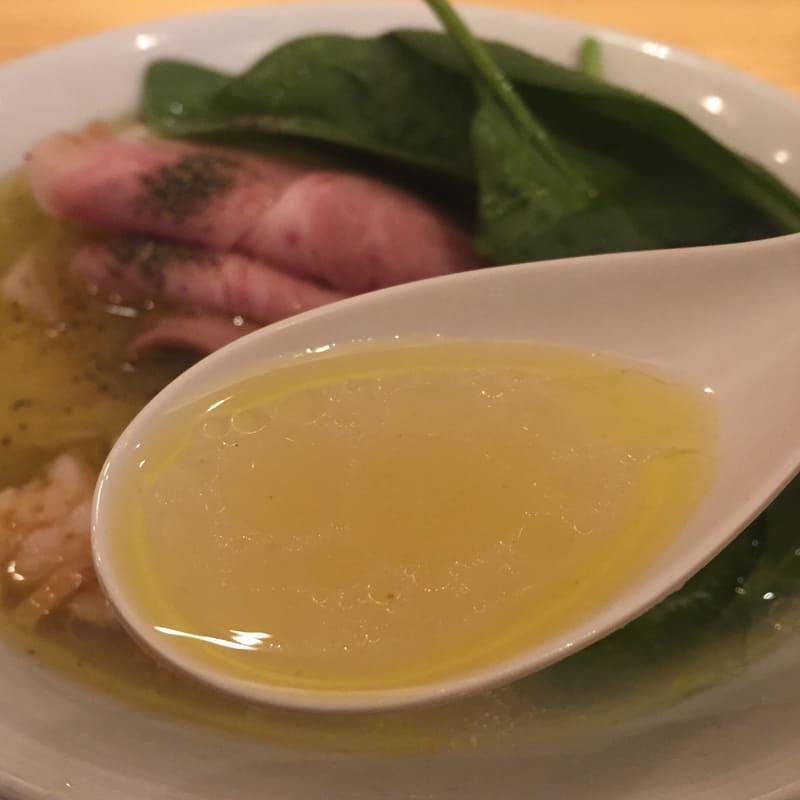 自家製麺うろた 5種の貝だしソバ スープ