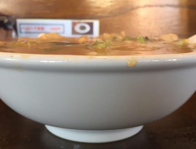 ラーメンショップ チャイナタウン みそチャンポン スープ 表面張力