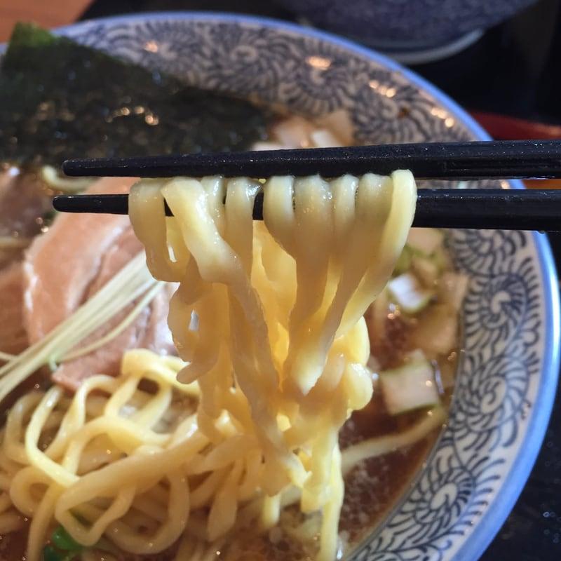 麺SAMURAI 桃太郎の鶏だし手もみ中華 麺