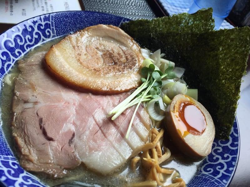 煮干らー麺 シロクロ 特・煮干らー麺(白) 具