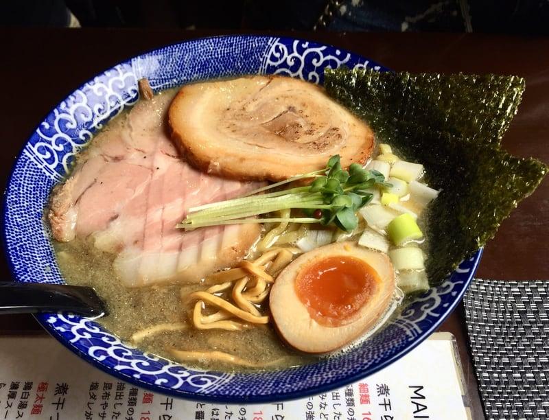 煮干らー麺 シロクロ 特・煮干らー麺(黒)