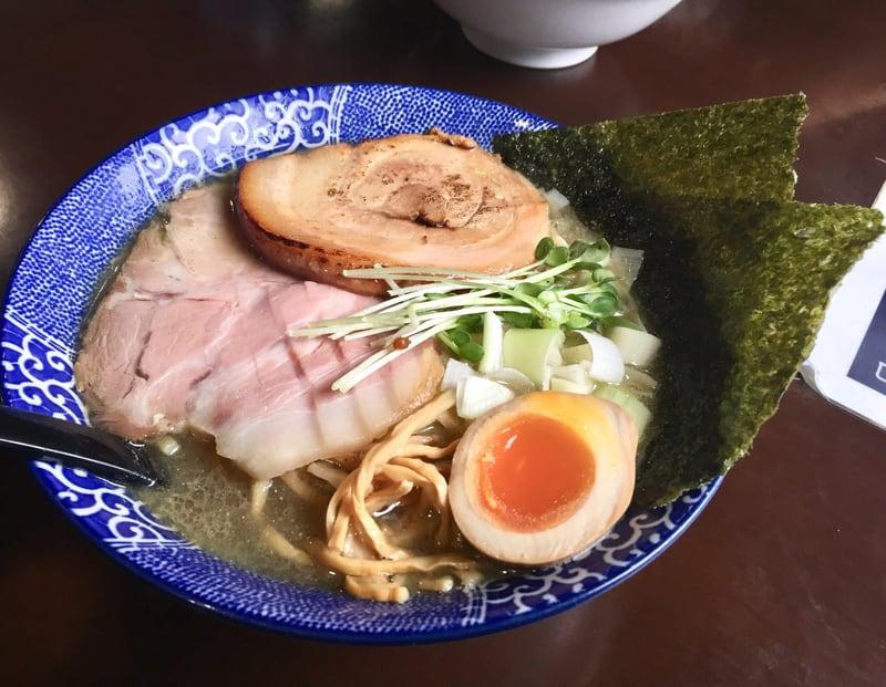 煮干らー麺 シロクロ 特・煮干らー麺(塩)