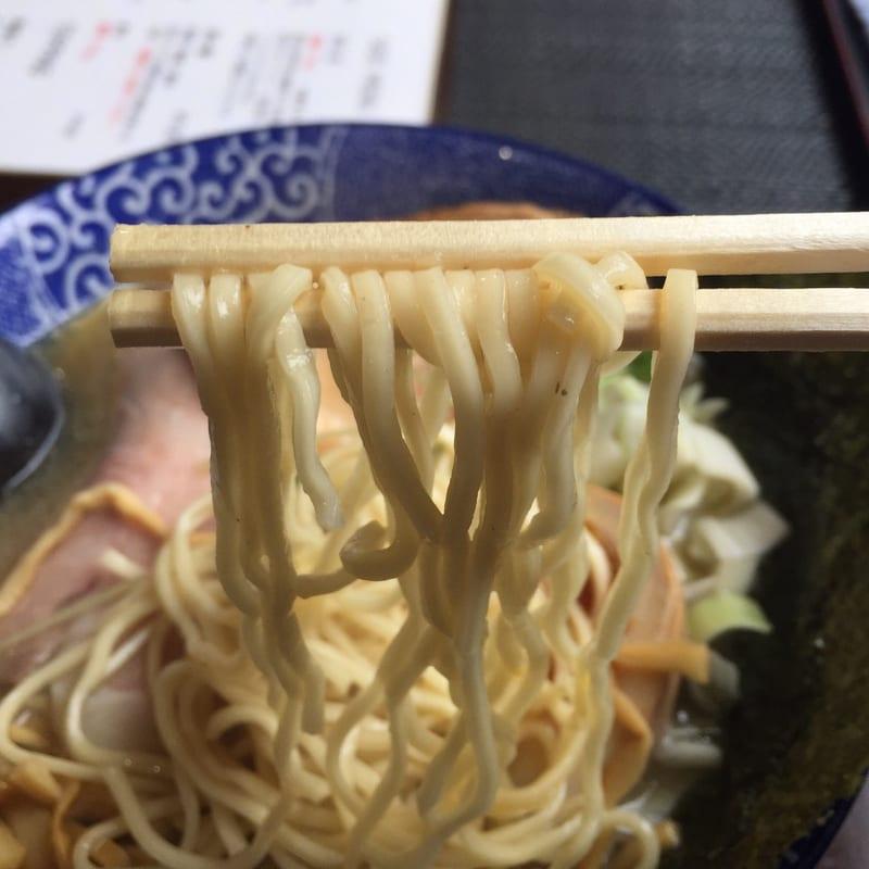 煮干らー麺 シロクロ 特・煮干らー麺(白)の麺