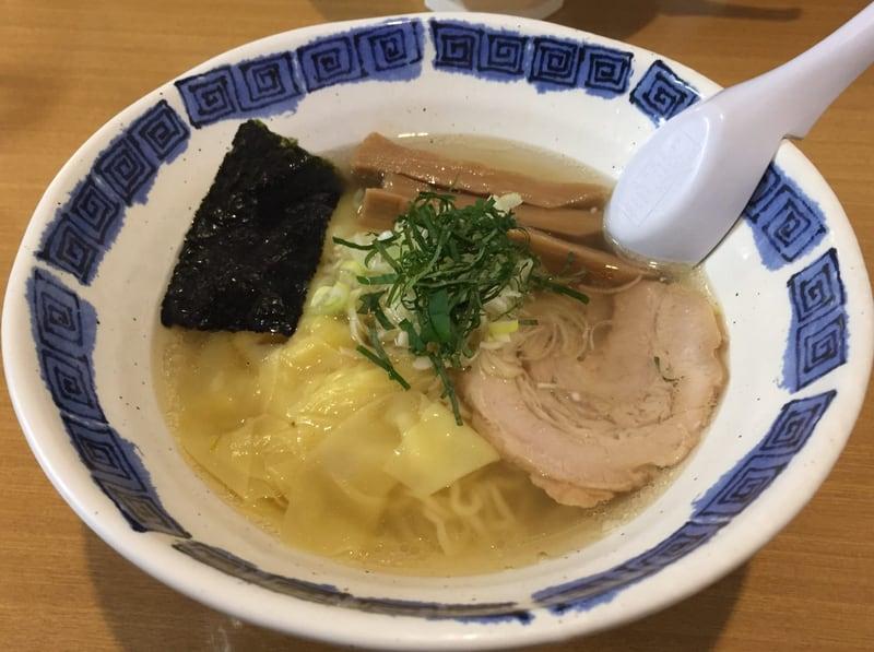 拉麺道場 燃えろドラゴン 海老ワンタン麺(塩)