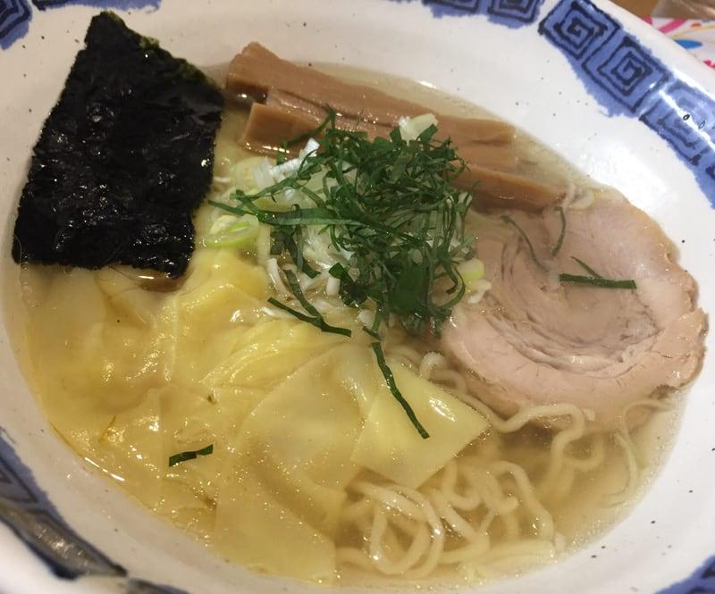 拉麺道場 燃えろドラゴン 海老ワンタン麺(塩) 具
