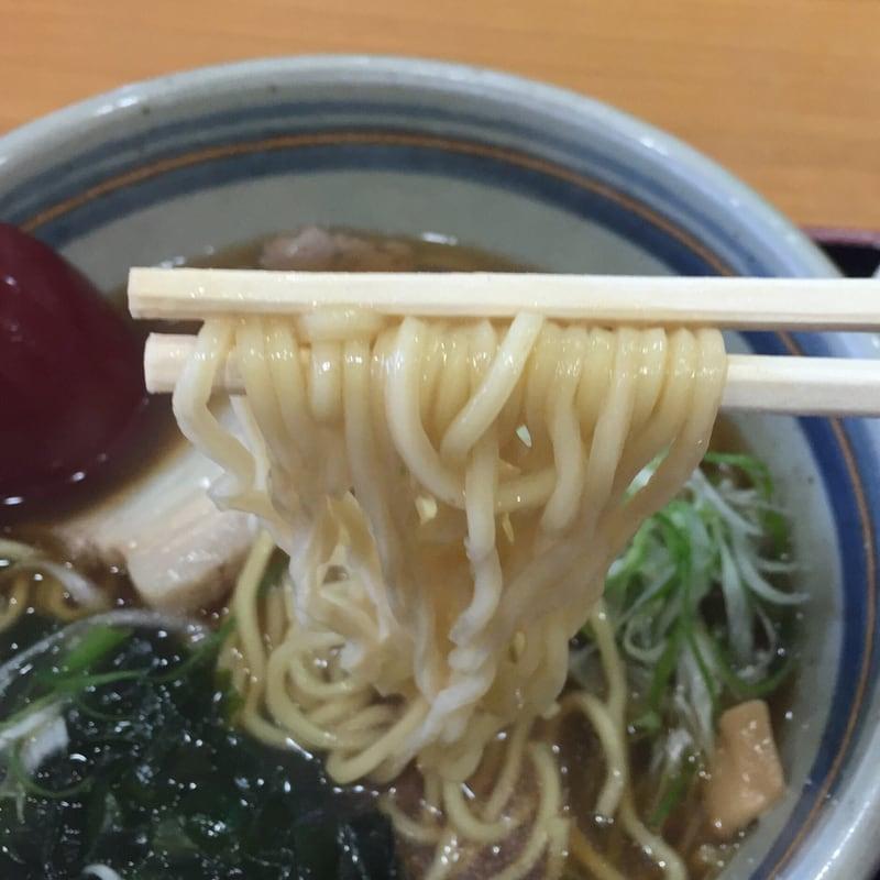 焼物 あきた港 土崎湊屋@ポートタワーセリオン 醤油ラーメン 麺