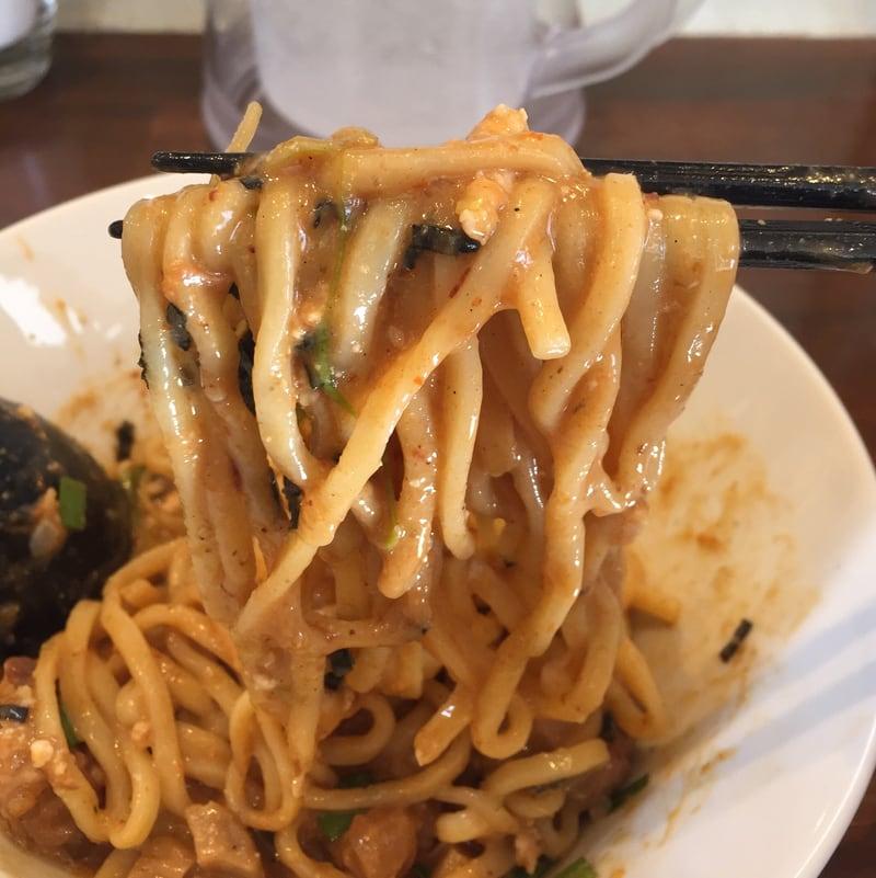 NOODLE SHOP KOUMITEI(香味亭) オマール海老香る辛味噌まぜそば 麺