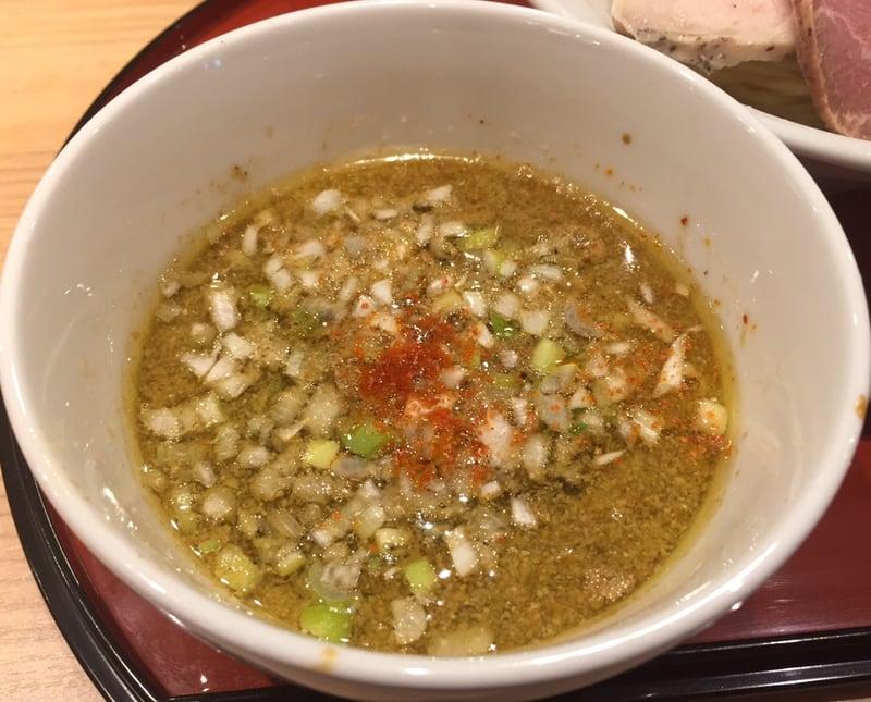 中華そば 依々恋々@東武百貨店 池袋本店 鶏としそつけ麺 スープ