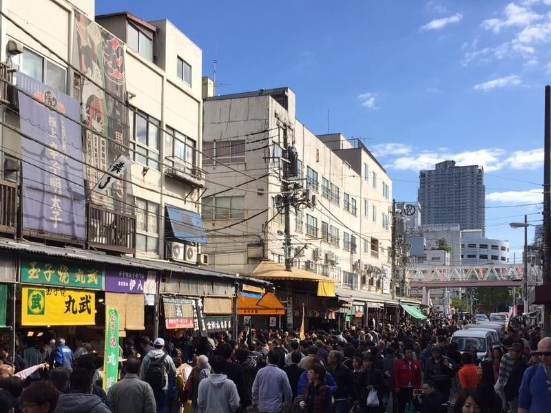 築地場外市場 観光客 混雑