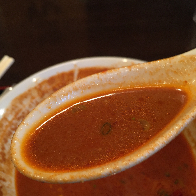 ドラゴン食堂 激辛担々麺 スープ
