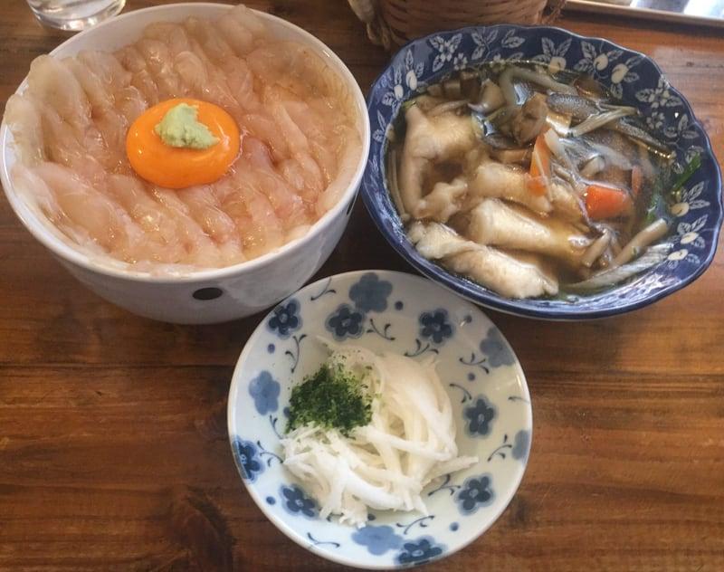 みなと食堂@青森県八戸市 平目漬け丼 せんべい汁 セット