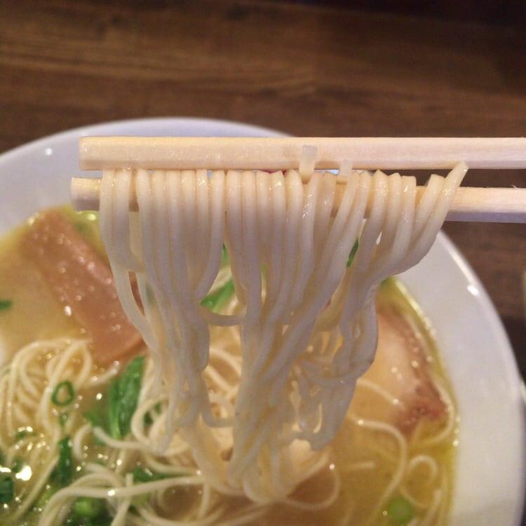 ラーメン男寿狼 鶏骨ラーメン 麺