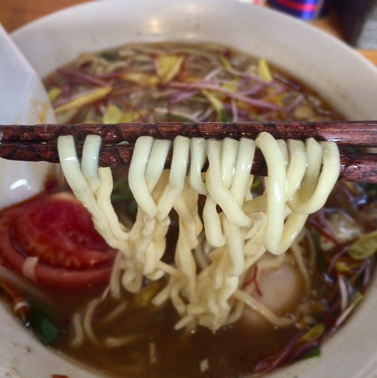 中華そばde小松 de小松的スーラータンメン 麺