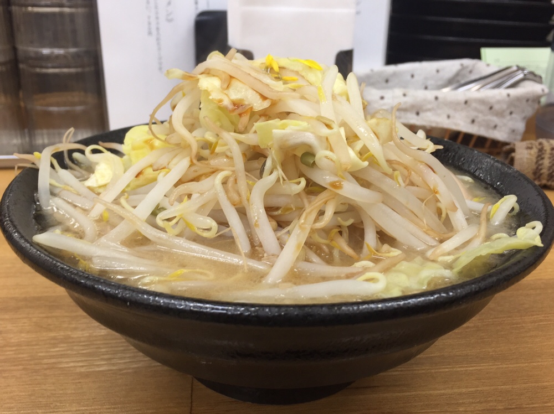 麺屋 羅漢 羅漢ラーメン サイドビュー