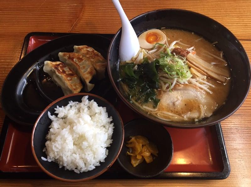 麺工房 かい星 辛味噌ラーメン ギョーザセット 餃子