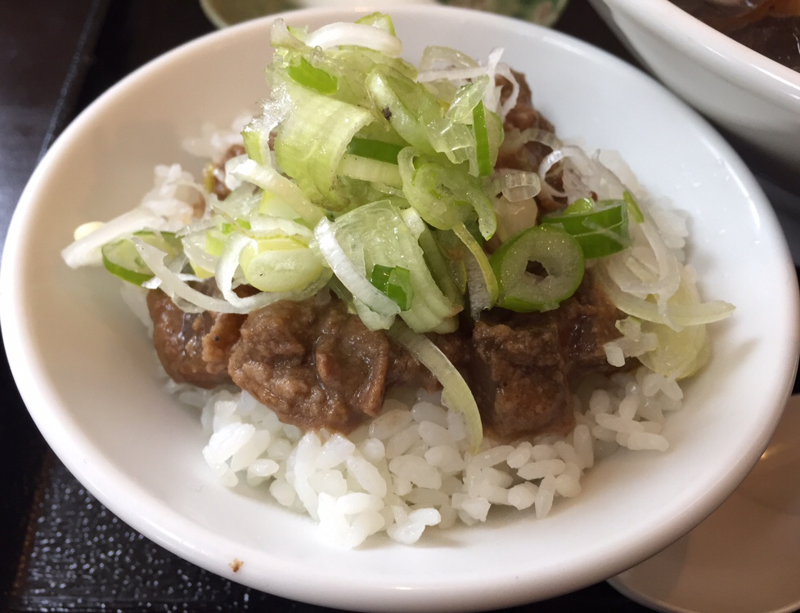 名物タンメン・定食・手作り餃子 べじば 牛ホルモン丼