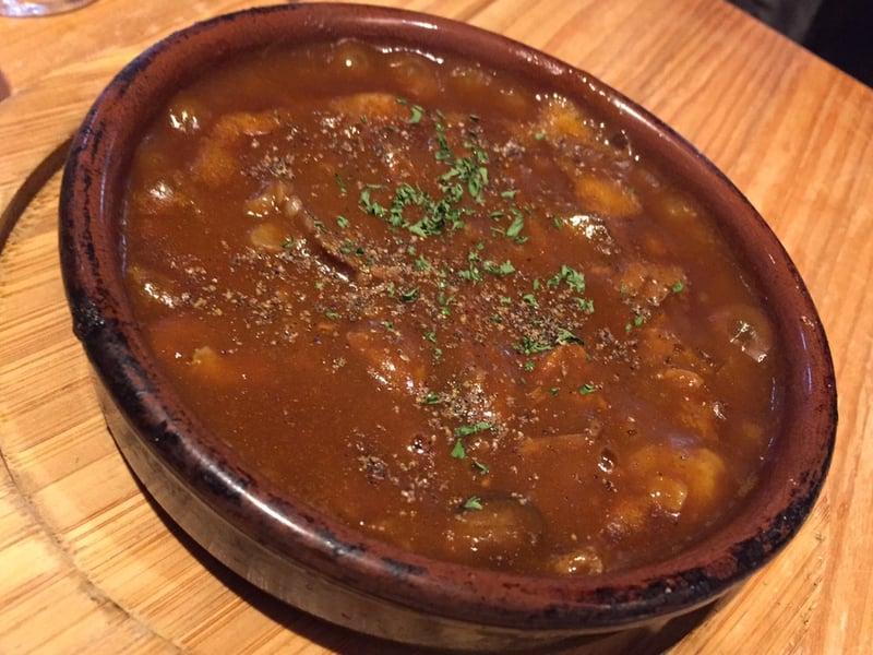 大町バル Arigatto(アリガット) 牛スジのデミ味噌煮込み