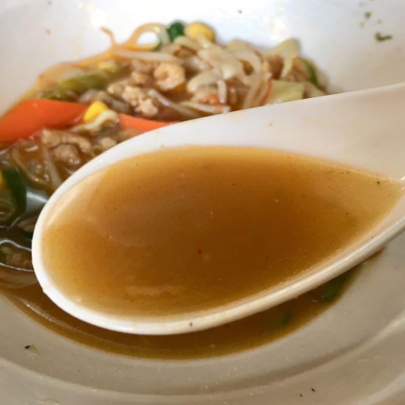 中華そばde小松 de小松的タンメン スープ