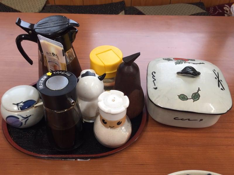 清美食堂 正油ラーメン 醤油ラーメン 味変 調味料