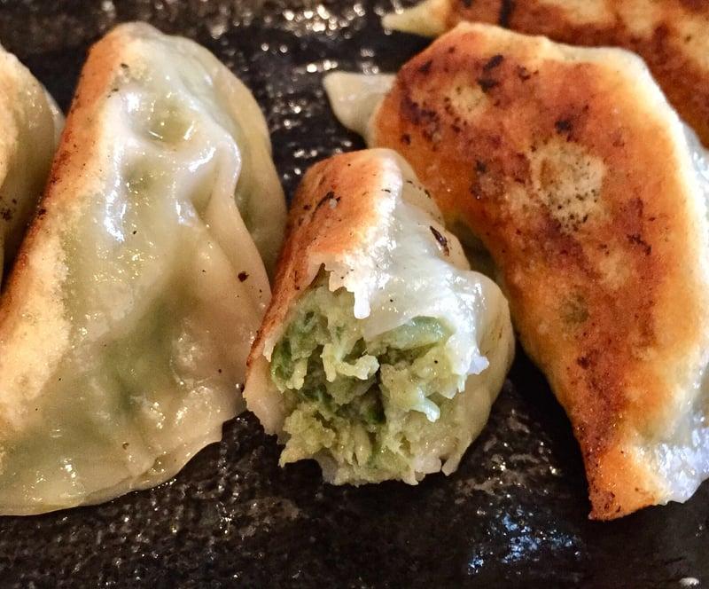 濃厚鶏ガラ 中華そば 東一(あずまいち) 餃子