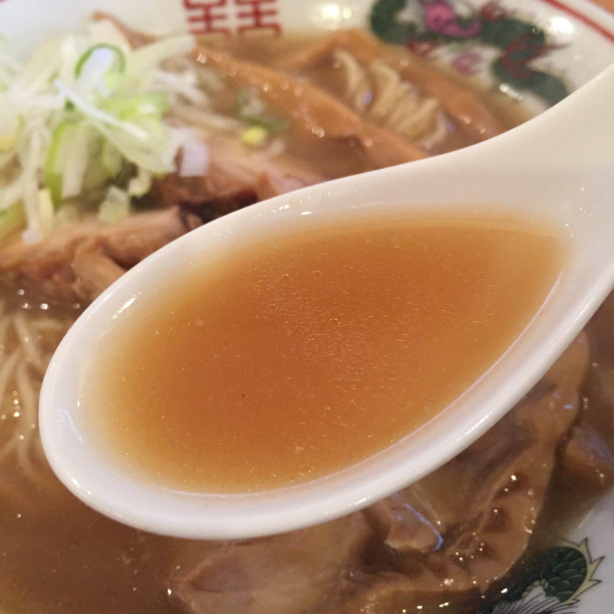 濃厚鶏ガラ 中華そば 東一(あずまいち) 出汁チャーシュー麺 出汁中華そば スープ