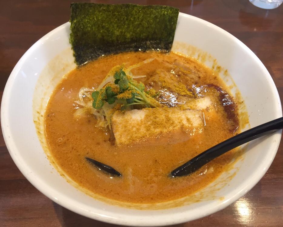 NOODLE SHOP KOUMITEI(香味亭) オマール海老香る濃厚ラーメン 濃厚味噌カレーヌードル