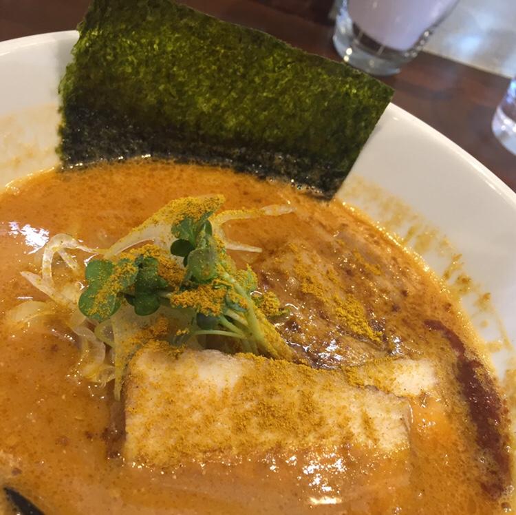NOODLE SHOP KOUMITEI(香味亭) オマール海老香る濃厚ラーメン 濃厚味噌カレーヌードル 具