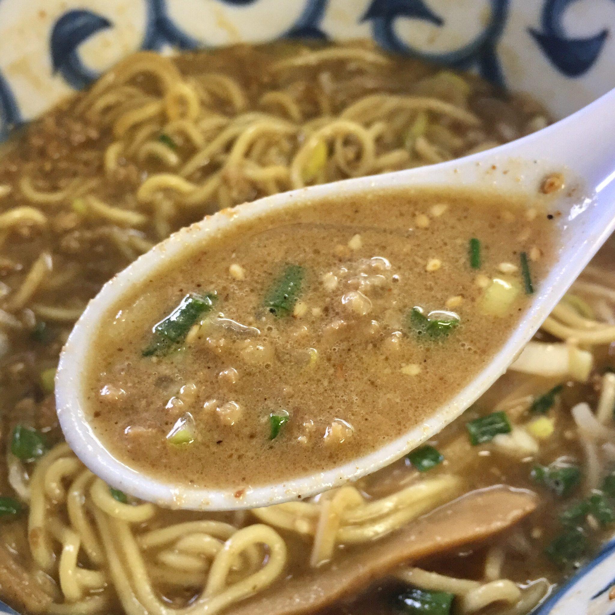 らーめん萬亀 坦々麺 あっさり味噌 スープ