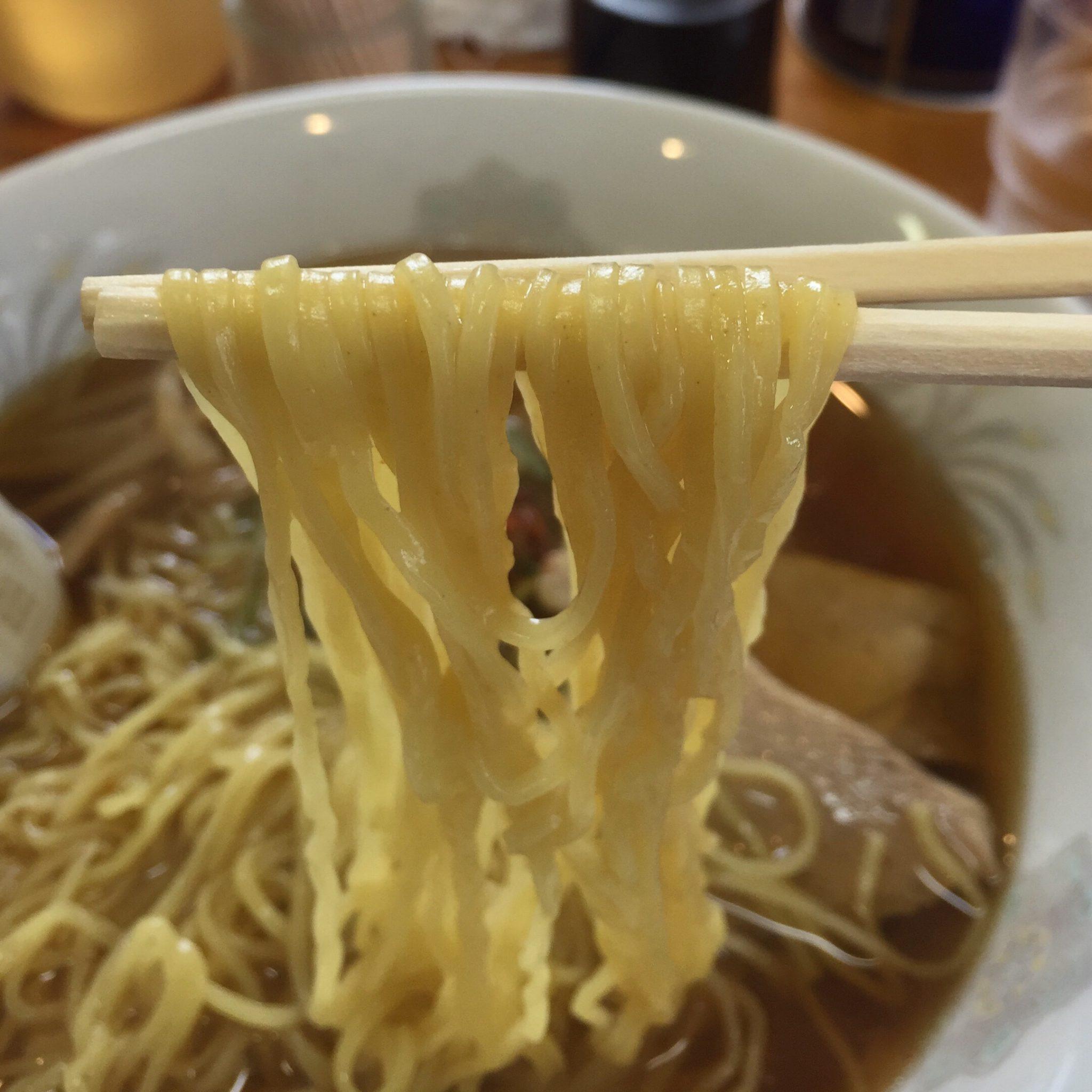 仲江戸 ラーメン 麺