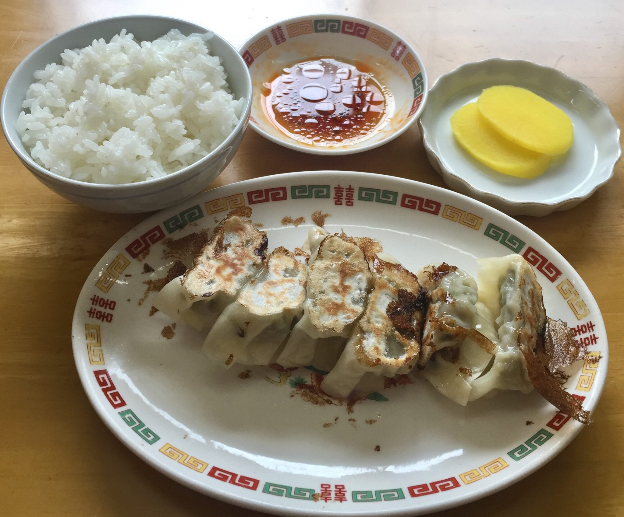 ラーメン寿屋 ギョーザ 餃子 ライス