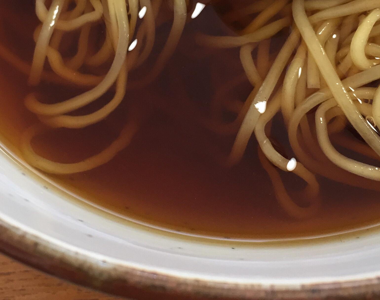 小太郎そばや かけ中華 スープ