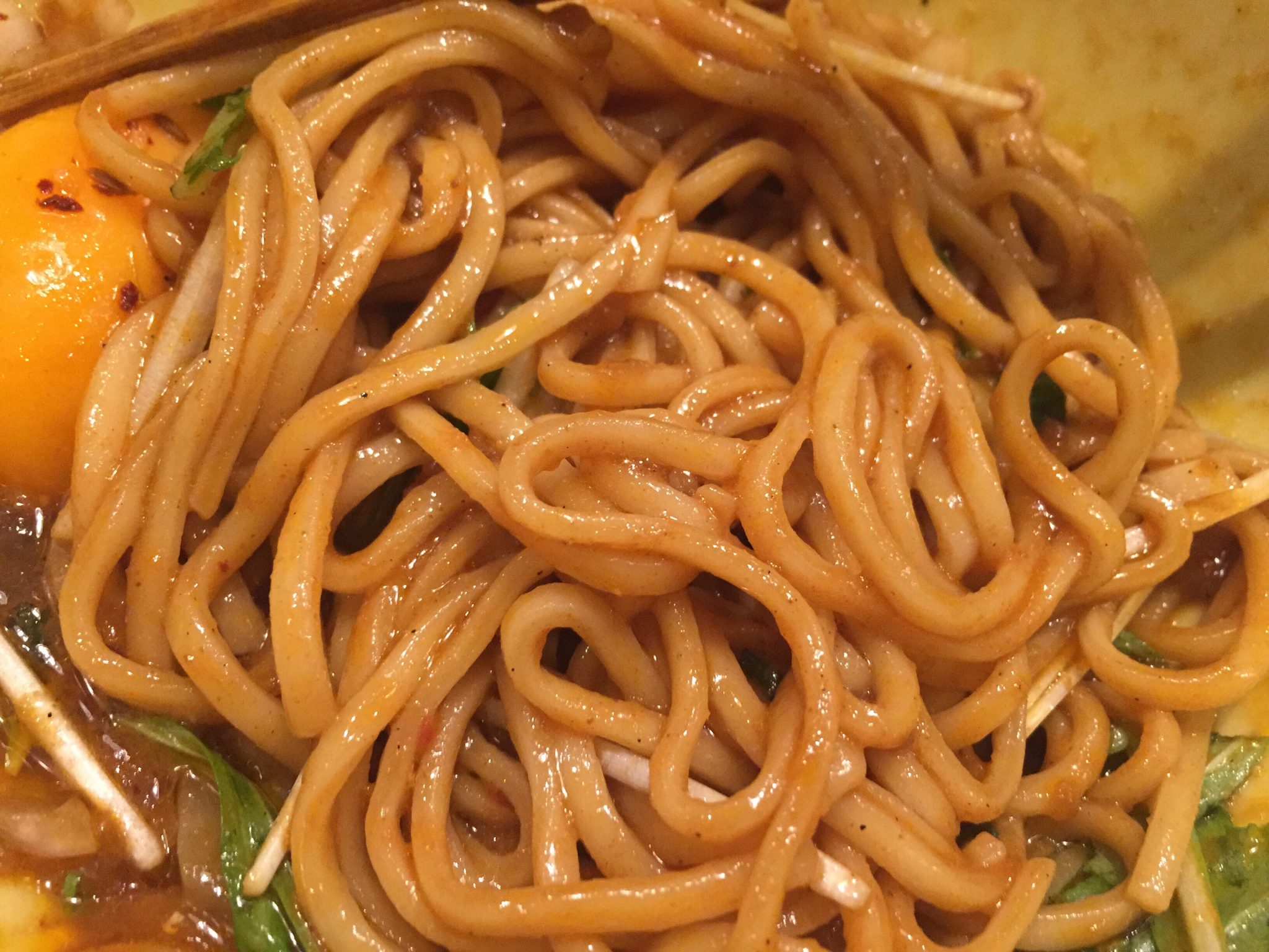 ソラノイロ トンコツ&キノコ スパイスまぜそば 麺