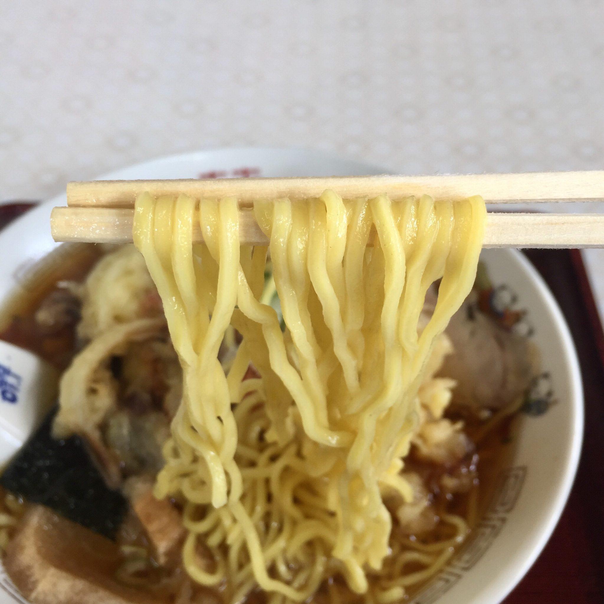 食堂 味よし味二番 天ぷら中華 麺