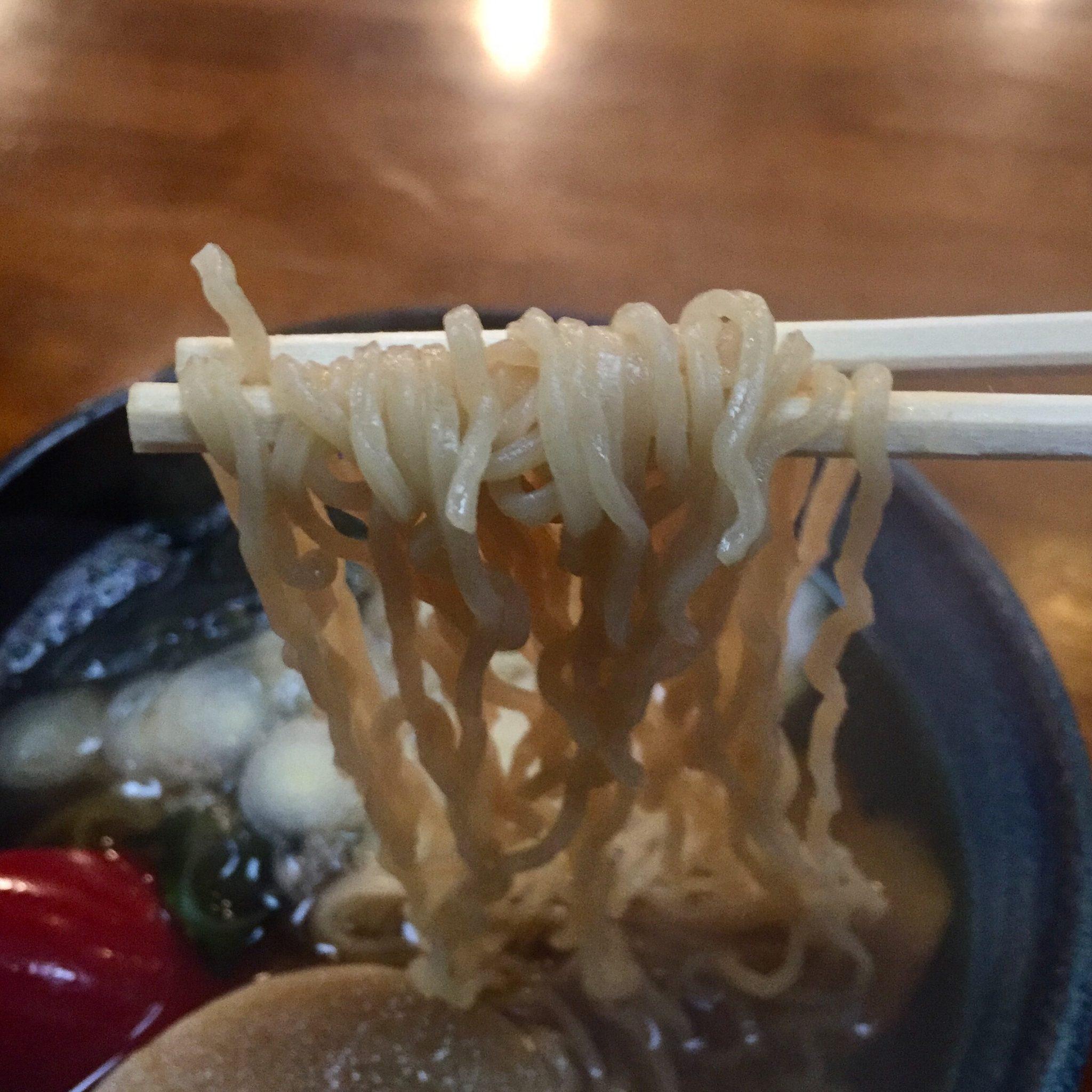 郷土料理 七兵衛 十文字中華そば 麺