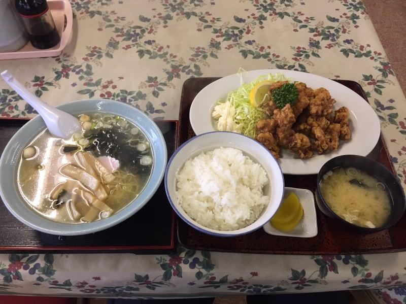 力食堂 秋田市外旭川 しおラーメン 塩ラーメン からあげ定食 鶏の唐揚げ 爆盛り