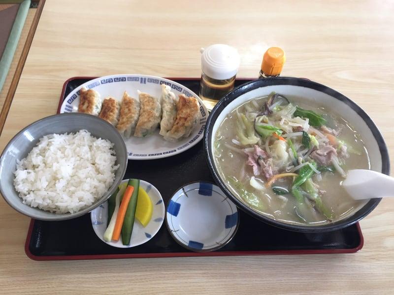 お食事処 えのき 秋田市寺内 タンメン ギョーザ 餃子