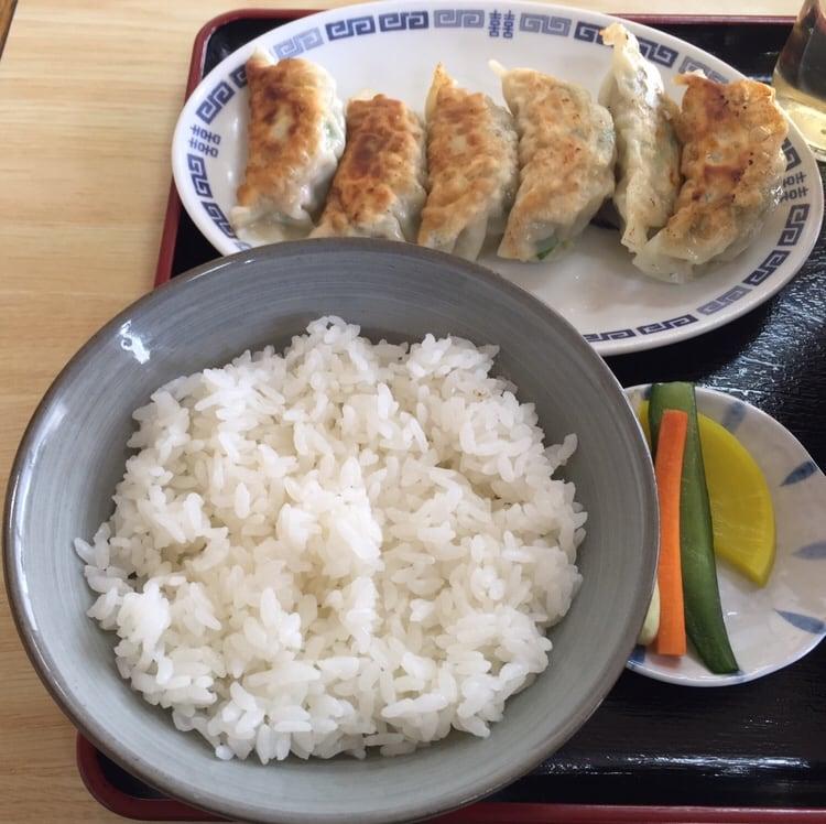 お食事処 えのき 秋田市寺内 ギョーザ 餃子 半ライス