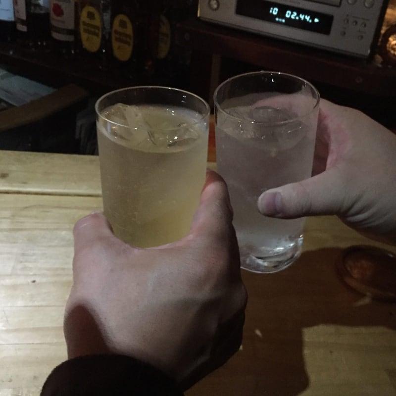 ここじゃむoser 秋田市大町 ハイボール 乾杯