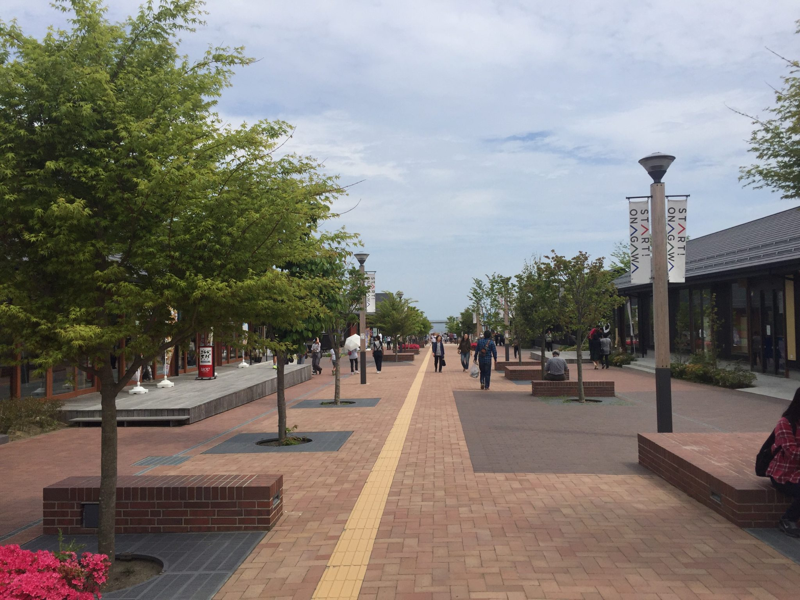 シーパルピア女川 地元市場ハマテラス 女川駅前