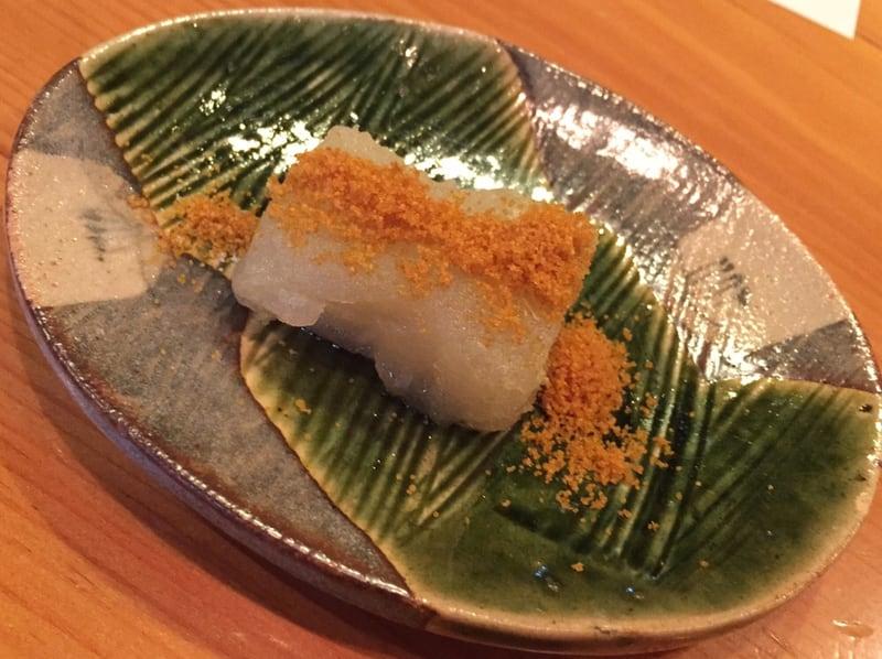 日本料理たかむら 秋田市大町 特製のかぶらもち餅にトリュフ塩&カラスミ揚げのせ