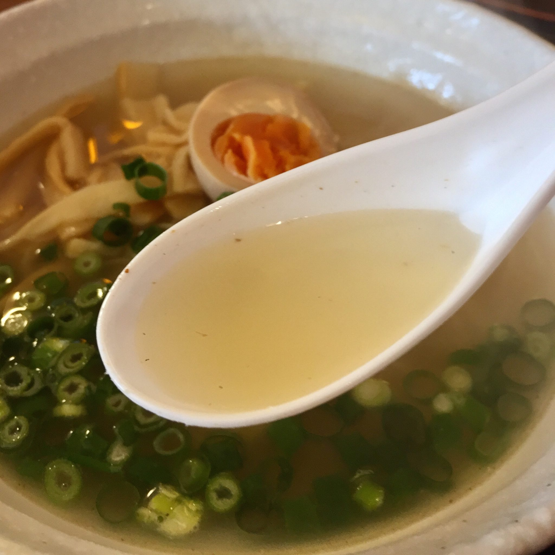 美食酒家 空べぇ~ 秋田県横手市 空べぇ〜ラーメン 塩ラーメン スープ