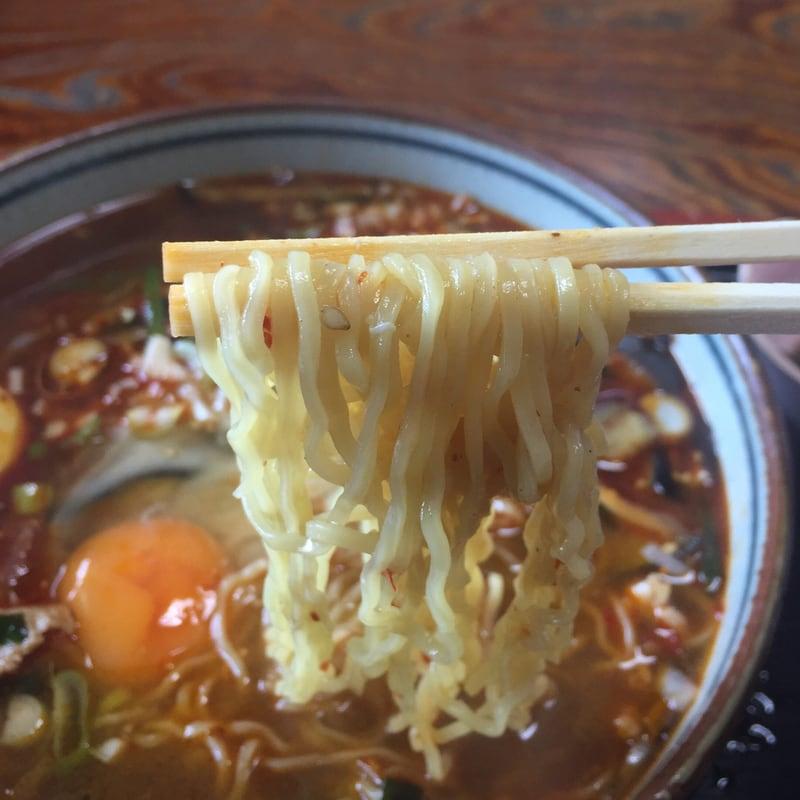 お食事処マルホ 秋田市外旭川 辛い韓国風ラーメン 麺