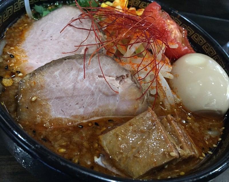 トラガス。 秋田県湯沢市 特製辛みそらーめん 辛味噌ラーメン 具