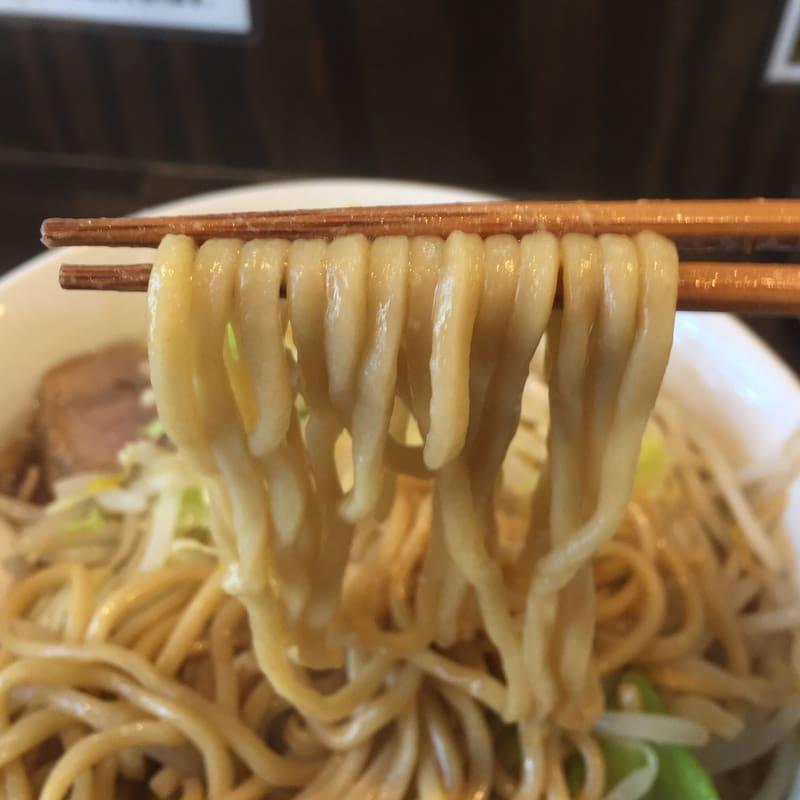 極上拉麺ハンサム侍 秋田県鹿角市花輪 醤油ラーメン 麺