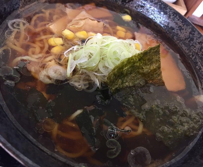 手打ちそばとお食事処 山小屋 秋田県横手市山内 しょうゆラーメン 醤油ラーメン 具